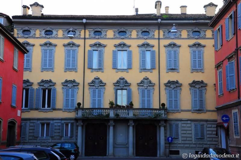 Corso Canal Grande Modena - 20