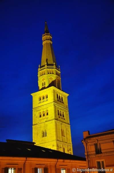 Ghirlandina Modena - 12