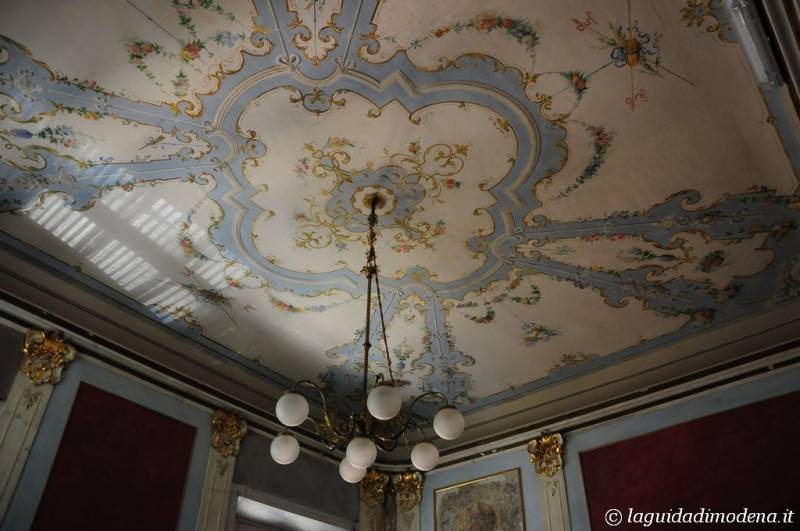 Palazzo d'Aragona Coccapani Modena - 13