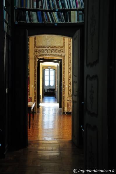 Palazzo d'Aragona Coccapani Modena - 28