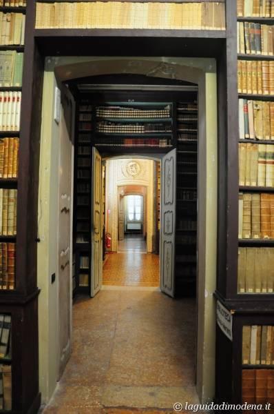 Palazzo d'Aragona Coccapani Modena - 31