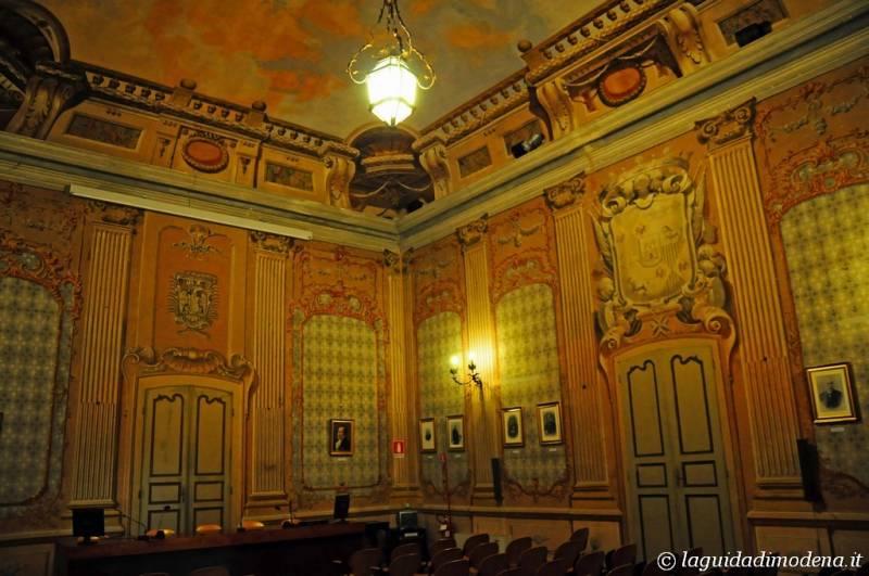Palazzo d'Aragona Coccapani Modena - 9