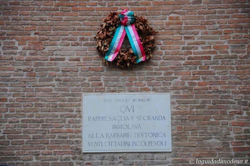 Piazza Grande Modena - 18