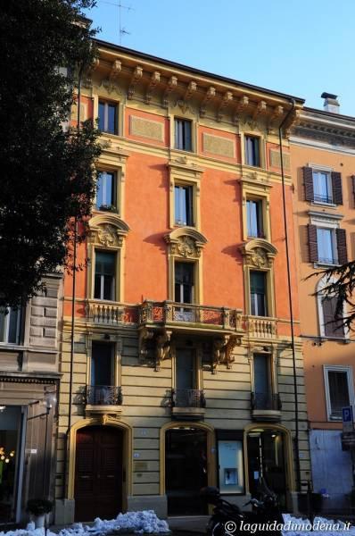 Piazza Mazzini Modena - 11