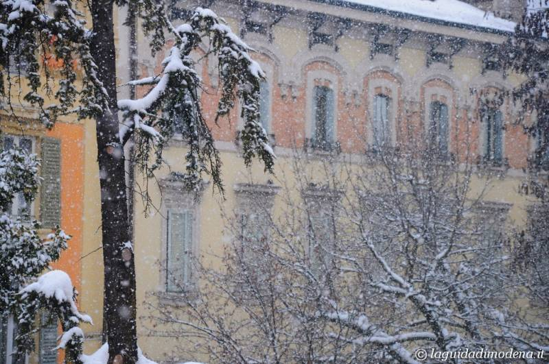 Piazza Mazzini Modena - 18