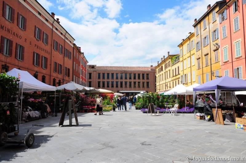 Piazza XX Settembre Modena - 2