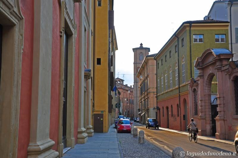 Via dei Servi Modena - 10