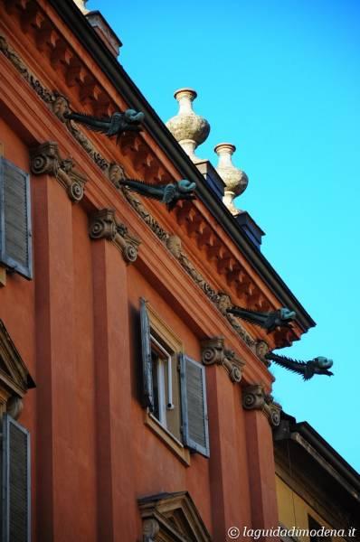 Via Emilia Modena - 29