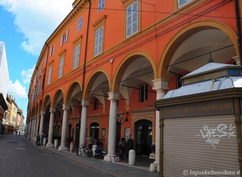 Via Emilia Modena - 8